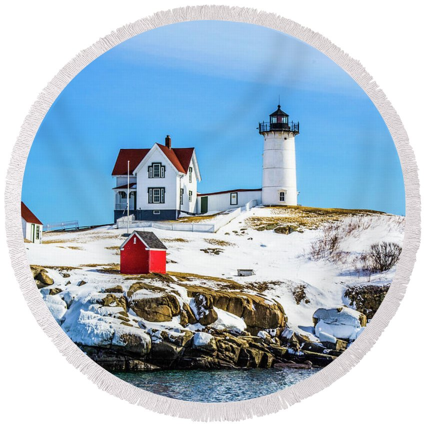 Maine Round Beach Towel featuring the photograph Nubble Light 2 by Kevin Fortier