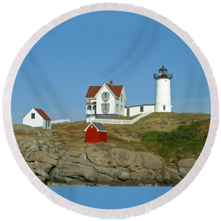 Nubble Round Beach Towel featuring the photograph Nubble Light by Margie Wildblood