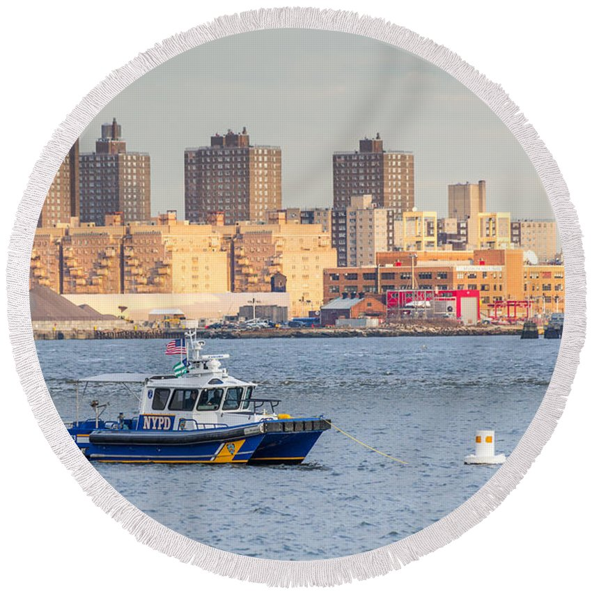 Canon Round Beach Towel featuring the photograph Nypd Patrol Boat In East River by SR Green