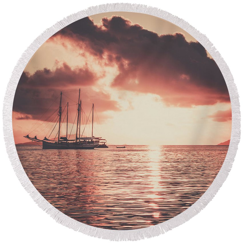 Yacht Round Beach Towel featuring the photograph Ocean Dream by Dvoevnore Photo