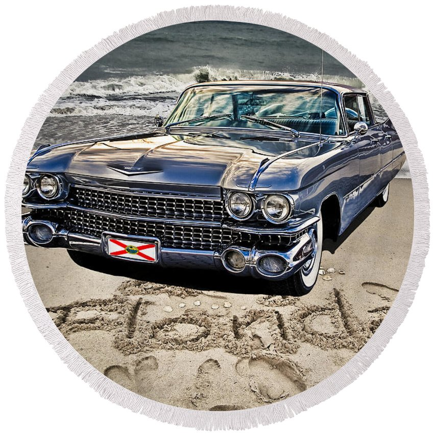 Cadillac Round Beach Towel featuring the photograph Ocean Drive by Joachim G Pinkawa