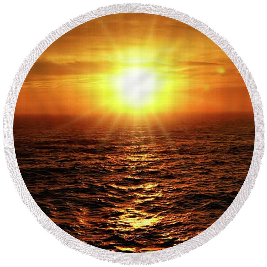 Sunset Round Beach Towel featuring the photograph Ocean Sunset by Sue Melvin