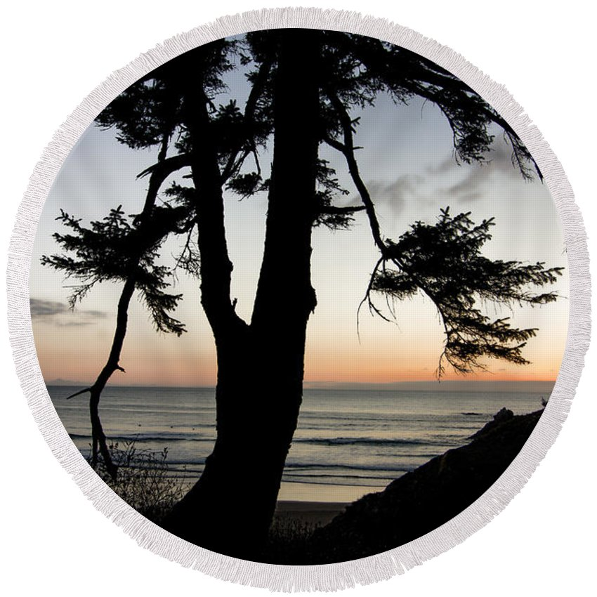 Oregon Round Beach Towel featuring the photograph Ocean View by Don Schwartz