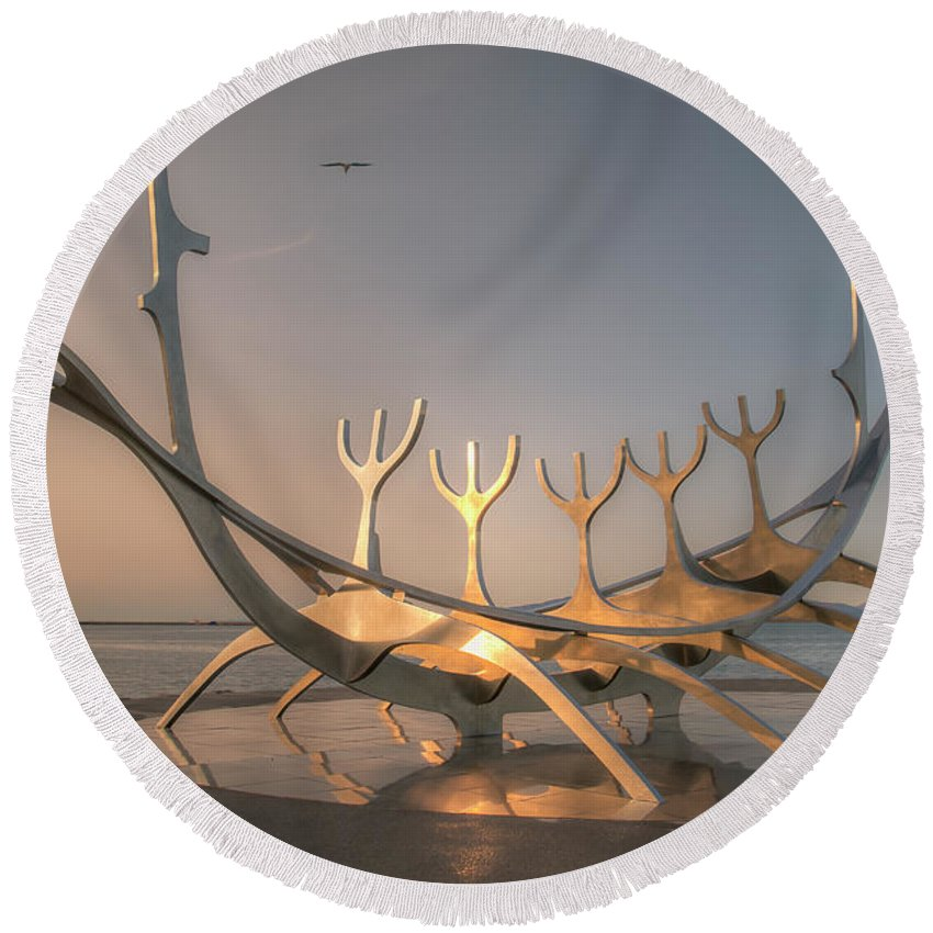Sun Voyager Round Beach Towel featuring the photograph Ode To The Sun 0635 by Kristina Rinell