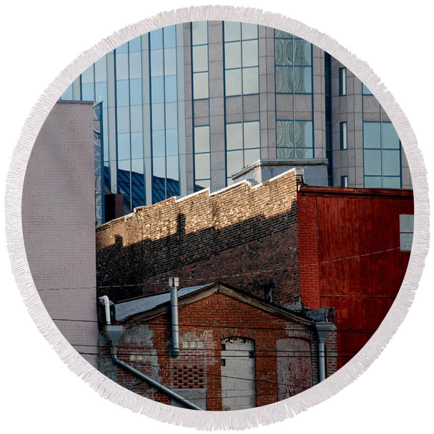 Nashville Round Beach Towel featuring the photograph Old And New Close Together by Susanne Van Hulst