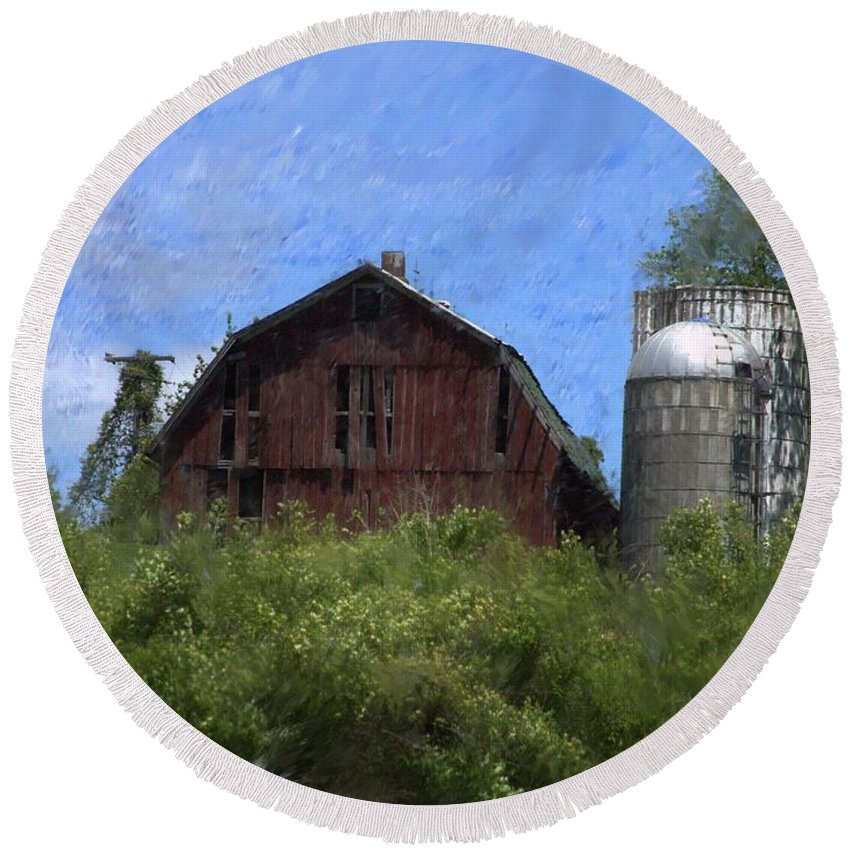 Old Barn Round Beach Towel featuring the photograph Old Barn On Summer Hill by David Lane
