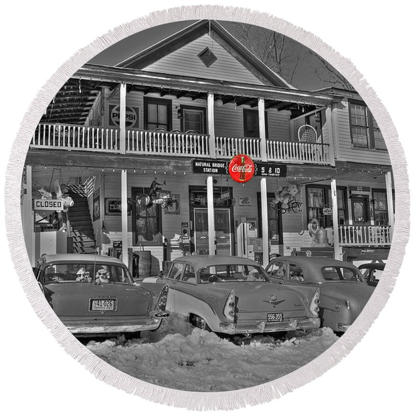 Old Round Beach Towel featuring the photograph Old Country Store by Todd Hostetter