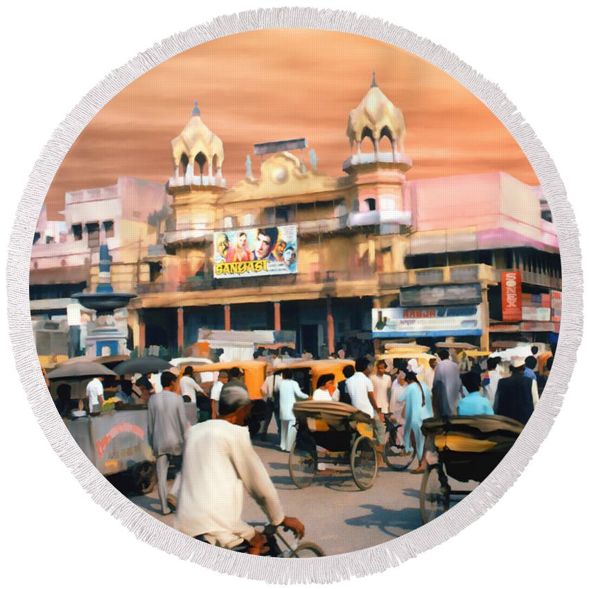 India Round Beach Towel featuring the photograph Old Dehli by Kurt Van Wagner