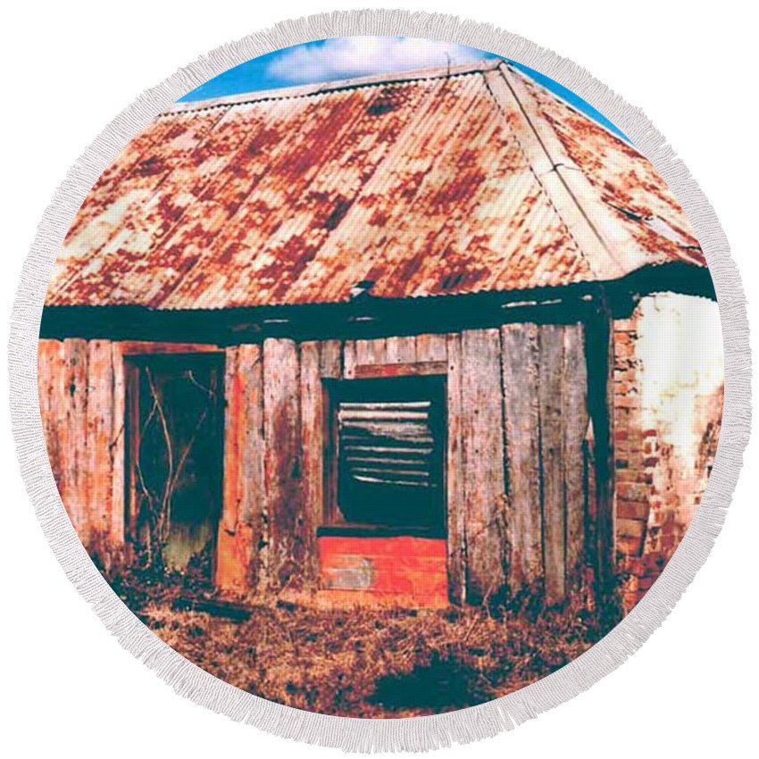 Australia Round Beach Towel featuring the photograph Old Farm House by Gary Wonning