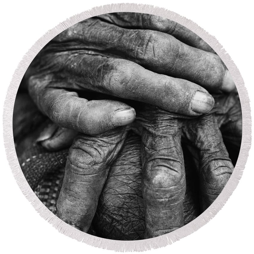 80-90 Yrs Round Beach Towel featuring the photograph Old Hands 3 by Skip Nall