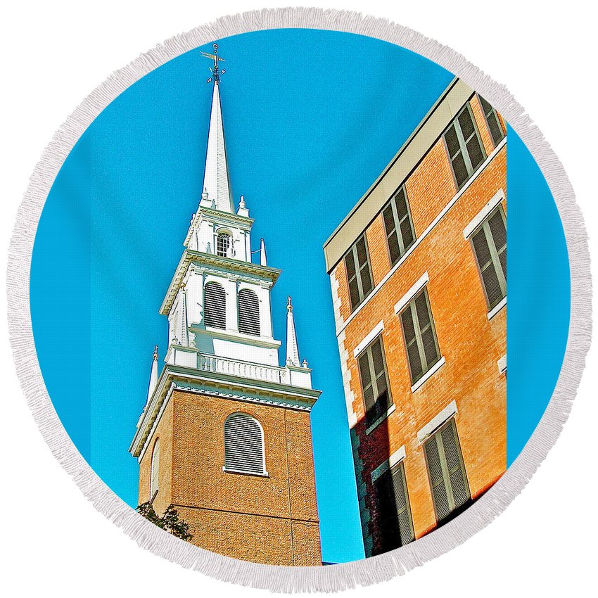 Old North Church Tower In Boston Round Beach Towel featuring the photograph Old North Church Tower In Boston-massachusetts by Ruth Hager