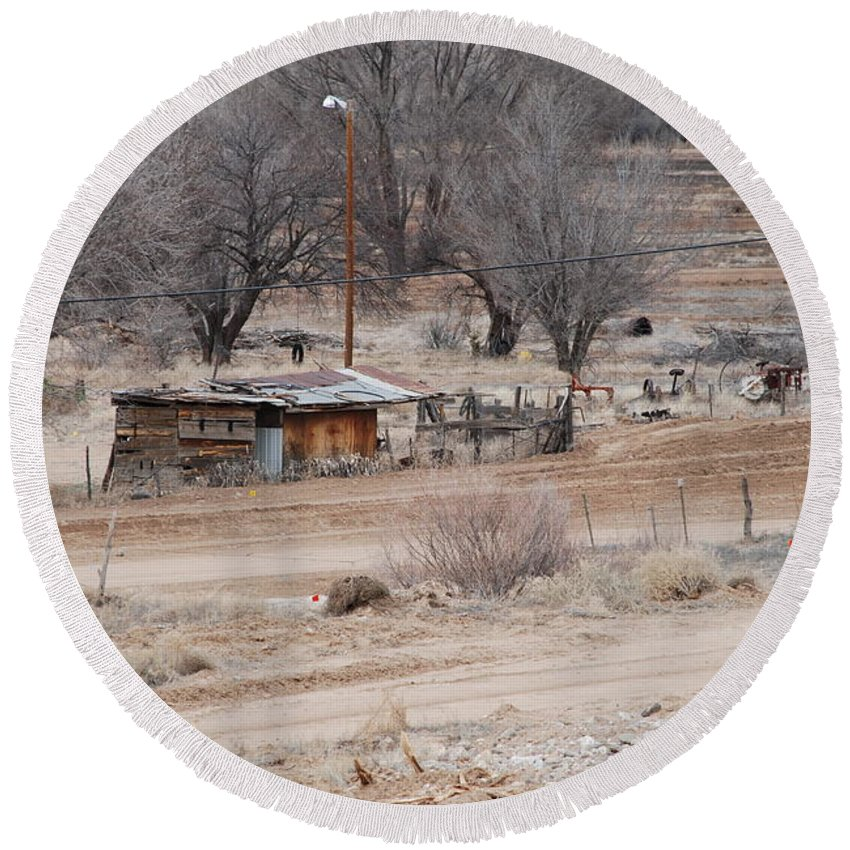 House Round Beach Towel featuring the photograph Old Ranch House by Rob Hans