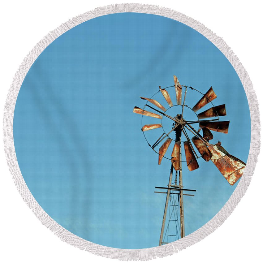 Windmill Round Beach Towel featuring the photograph Old Rusty by David Arment