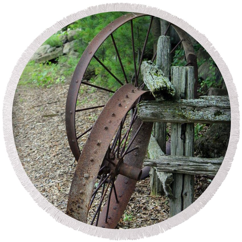 Wagon Wheel Round Beach Towel featuring the photograph Old Rusty Wagon Wheels by Anita Hiltz