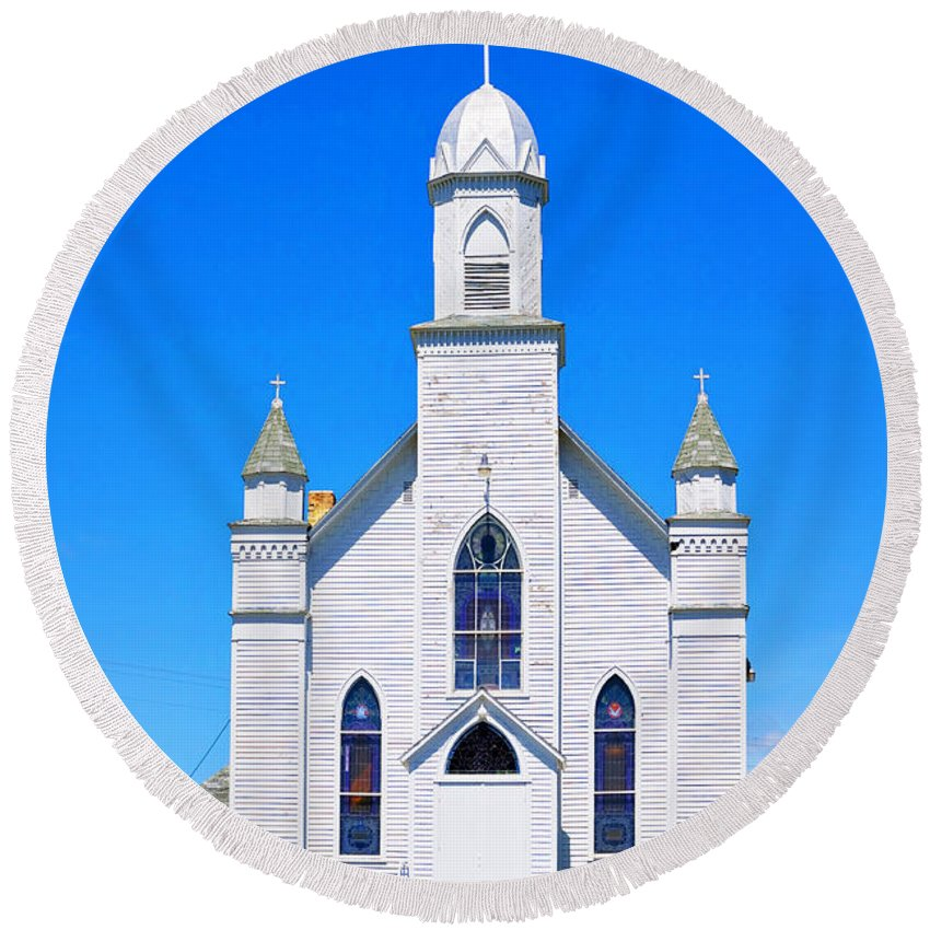 Church Round Beach Towel featuring the photograph Old Weathered Church On Hill Top by Donald Erickson