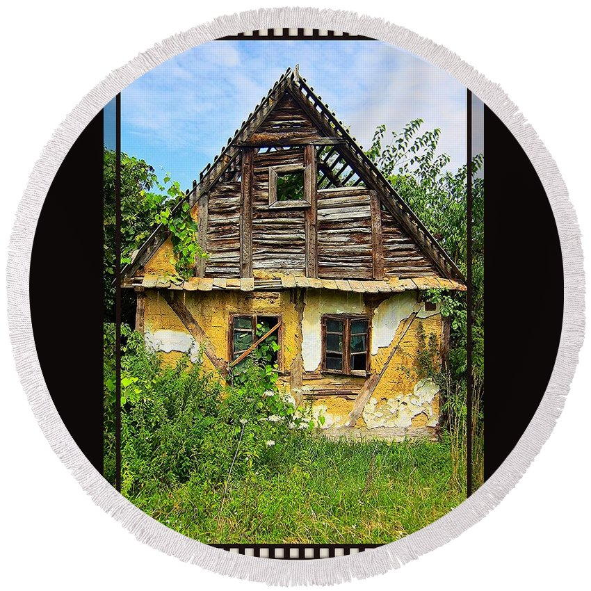 Oldhaus Round Beach Towel featuring the photograph Oldhaus by Michael Nollta