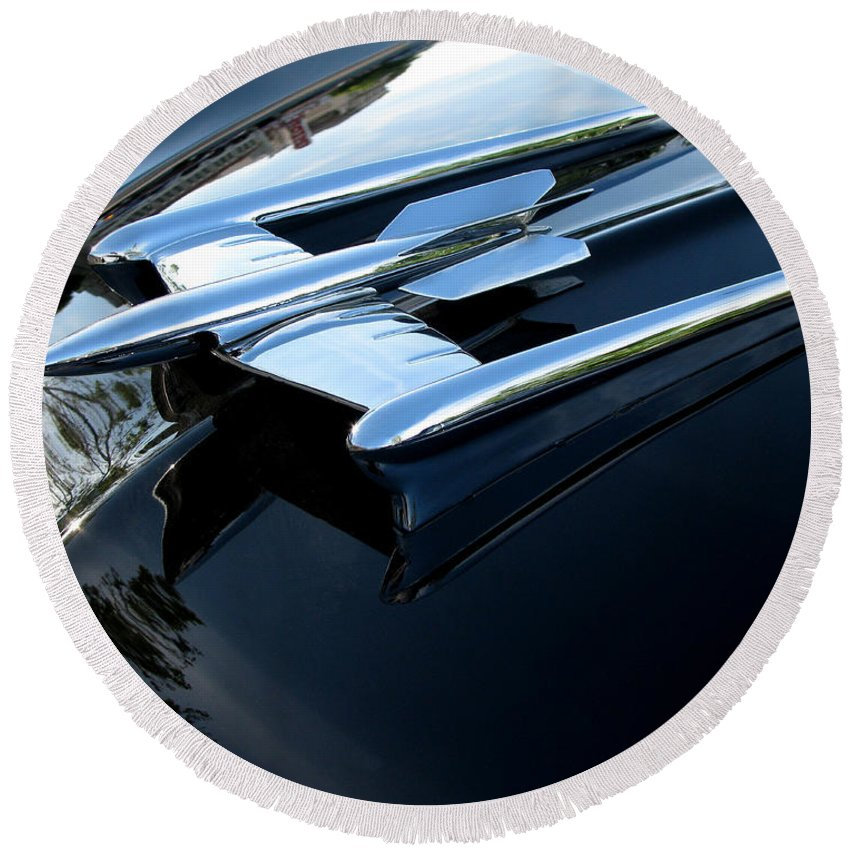 Oldsmobile 88 Round Beach Towel featuring the photograph Old's 88 Hood Ornament by Peter Piatt