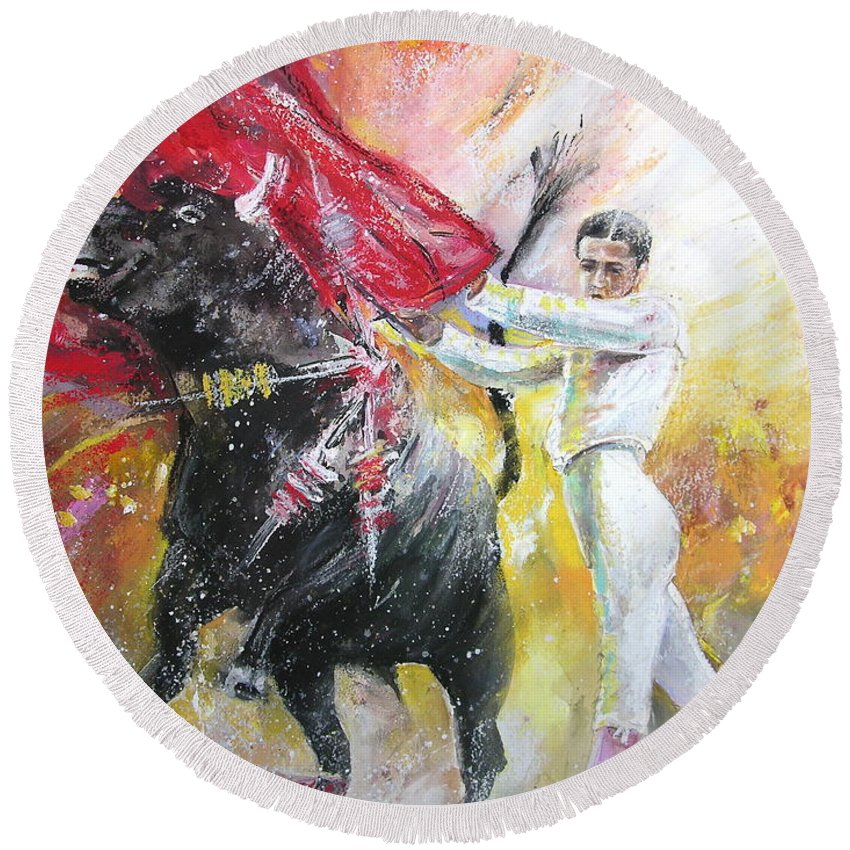 Animals Round Beach Towel featuring the painting Ole by Miki De Goodaboom
