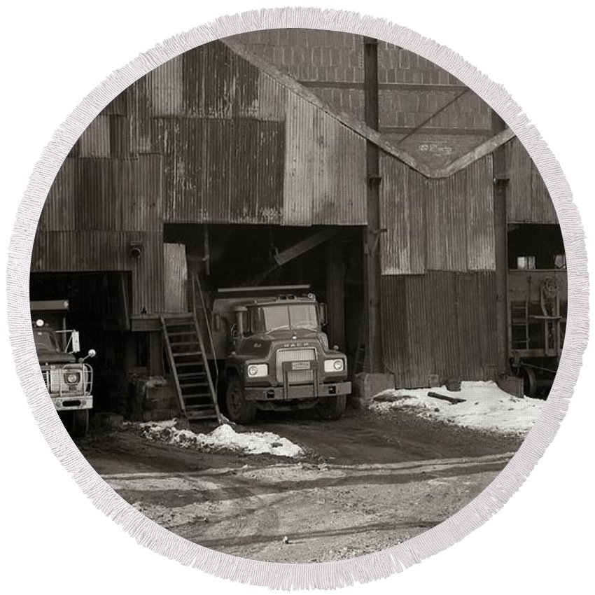 Olyphant Pa Round Beach Towel featuring the photograph Olyphant Pa Coal Breaker Loading Trucks And Gondola Car Winter 1971 by Arthur Miller