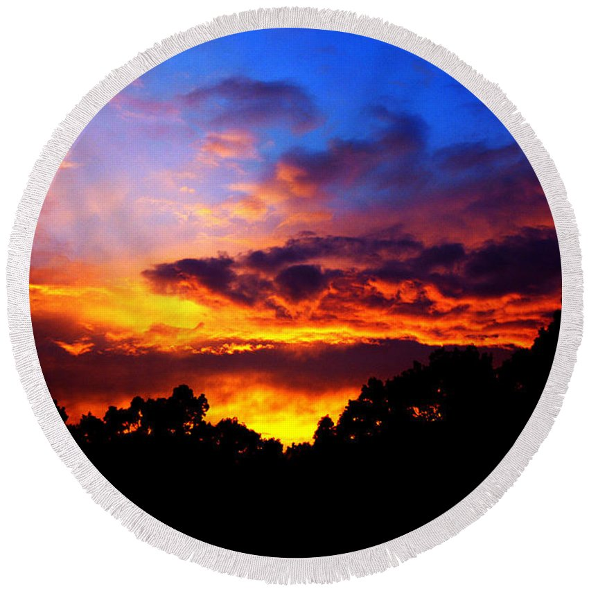 Clay Round Beach Towel featuring the photograph Ominous Sunset by Clayton Bruster