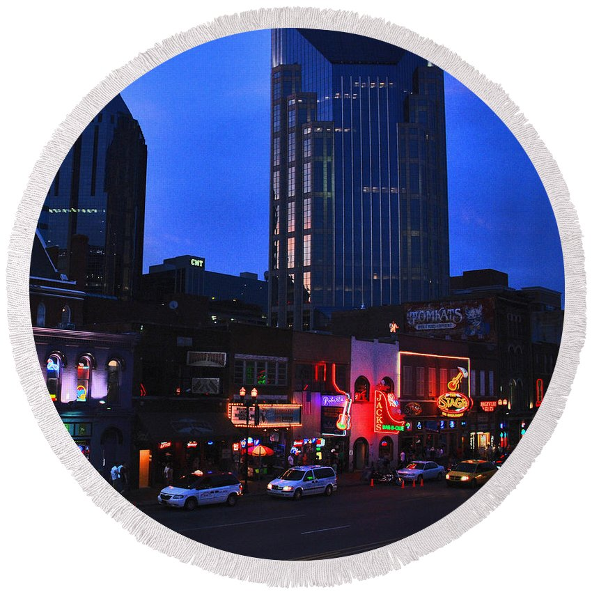 Nashville Photos Round Beach Towel featuring the photograph On Broadway In Nashville by Susanne Van Hulst