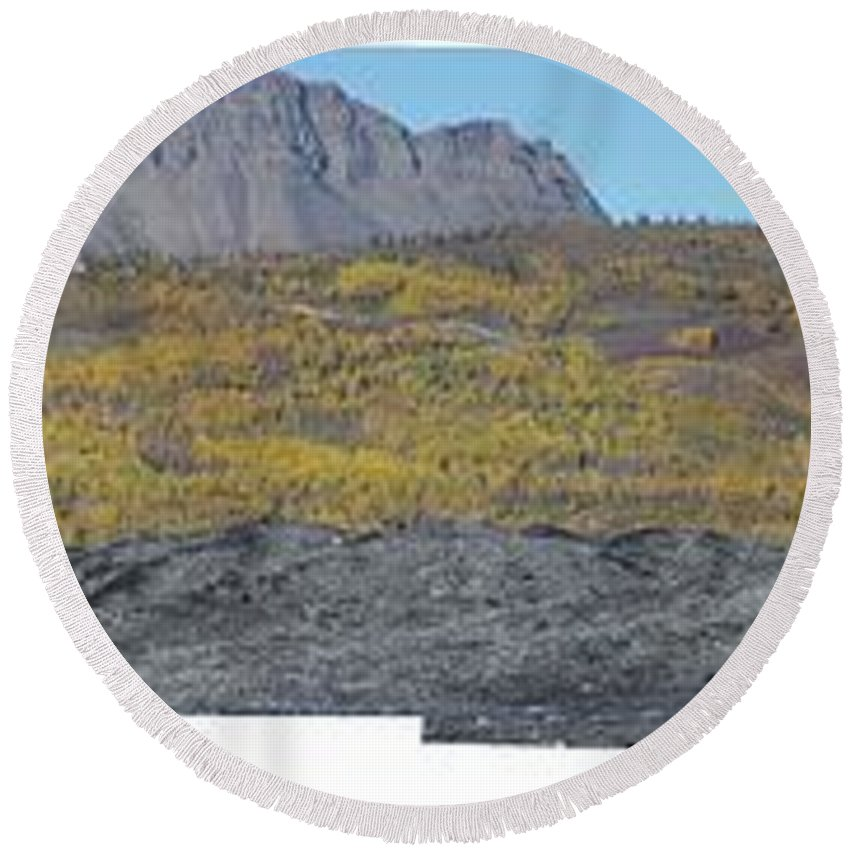 Landscape Round Beach Towel featuring the photograph On The Matanuska Glacier by Ron Bissett