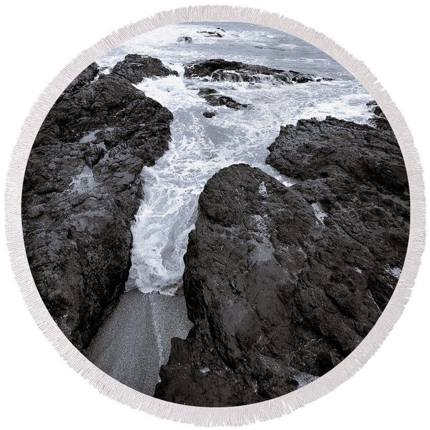 New Zealand Round Beach Towel featuring the photograph On The Rocks by Dave Bowman