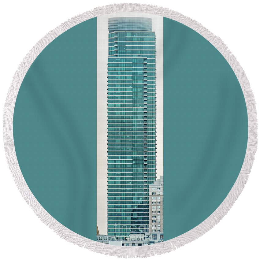 One Rincon Hill Round Beach Towel featuring the photograph One Rincon Hill Building In San Francisco, California by David Oppenheimer