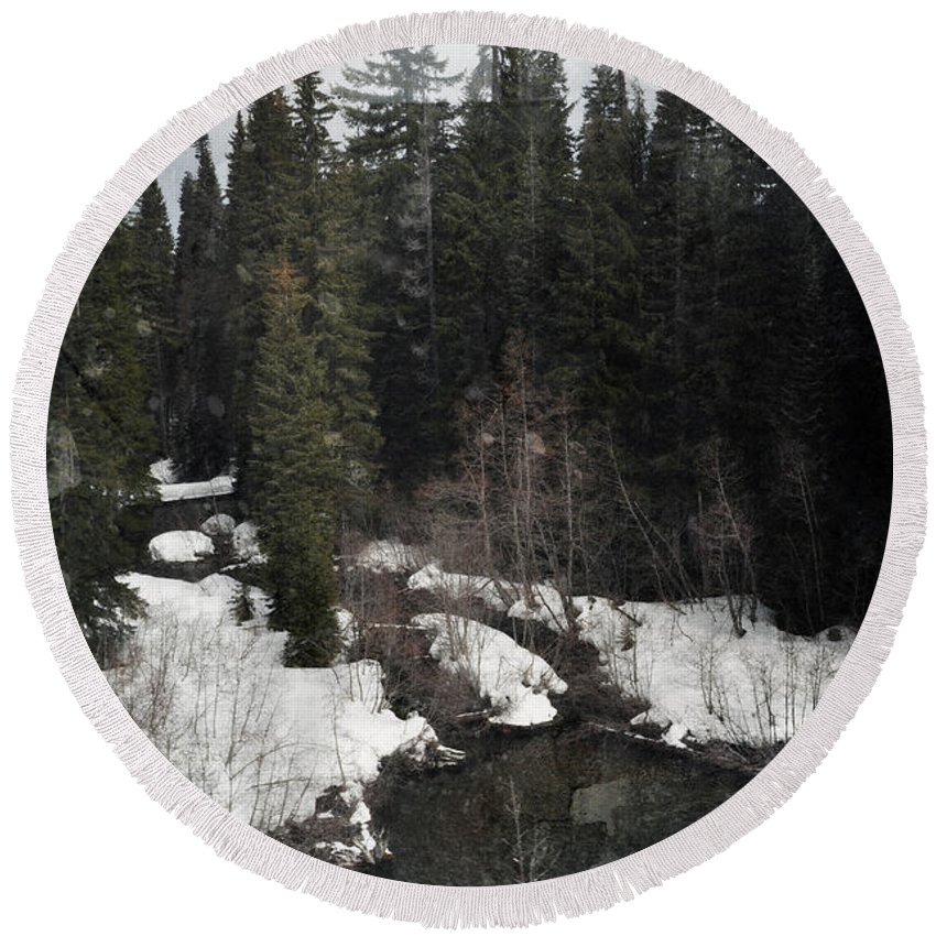 Oregon Round Beach Towel featuring the photograph Oregon Cascade Range River by Kyle Hanson