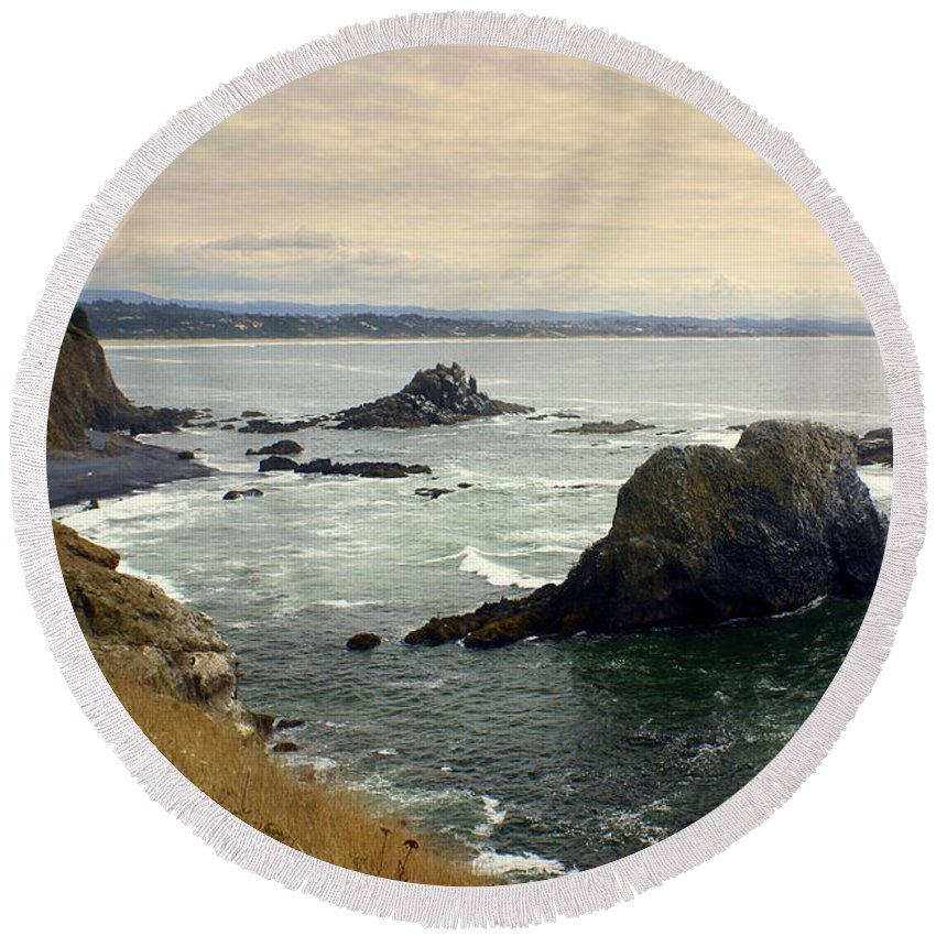 Ocean Round Beach Towel featuring the photograph Oregon Coast 17 by Marty Koch