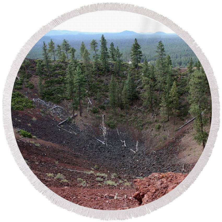 Oregon Round Beach Towel featuring the photograph Oregon Landscape - Crater At Lava Butte by Carol Groenen