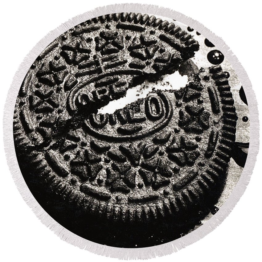 Cookie Round Beach Towel featuring the photograph Oreo Cookie by Nancy Mueller
