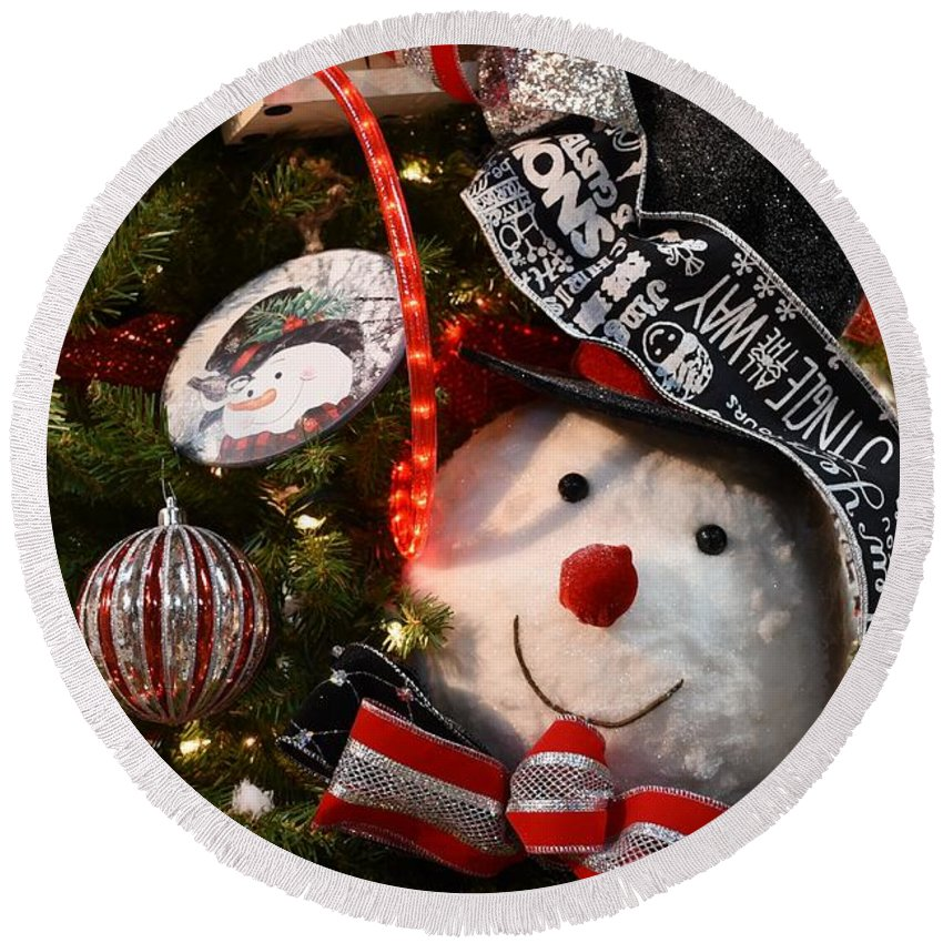 Santa Christmas Ornament Ornament Round Beach Towel featuring the photograph Ornament 239 by Joyce StJames