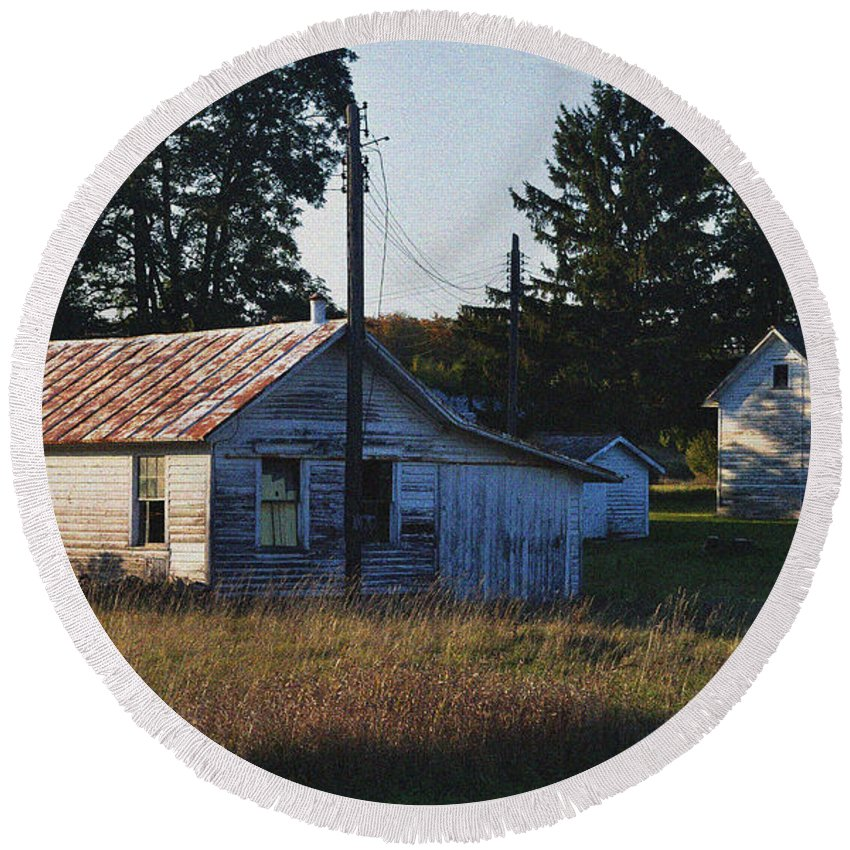 Barns Round Beach Towel featuring the photograph Out Building by Tim Nyberg