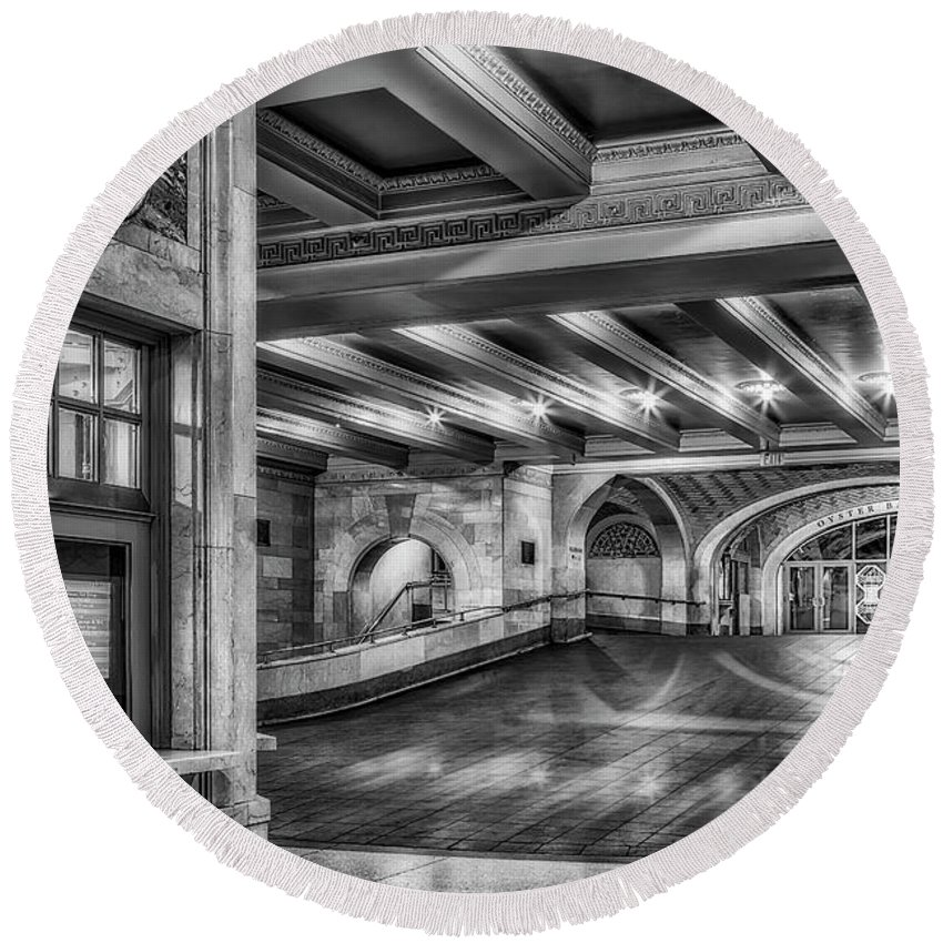 Grand Central Terminal Round Beach Towel featuring the photograph Oyster Bar Restaurant Gct Nyc Bw by Susan Candelario