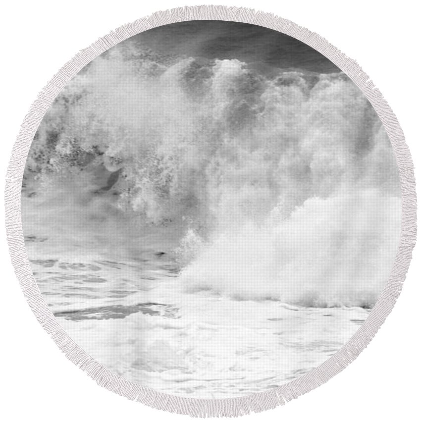 Black And White Round Beach Towel featuring the photograph Pacific Ocean Breakers Black And White by Adam Jewell