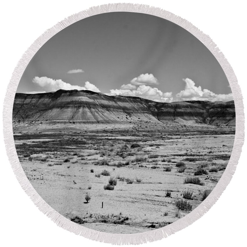 Painted Round Beach Towel featuring the photograph Painted Desert #9 by Robert J Caputo