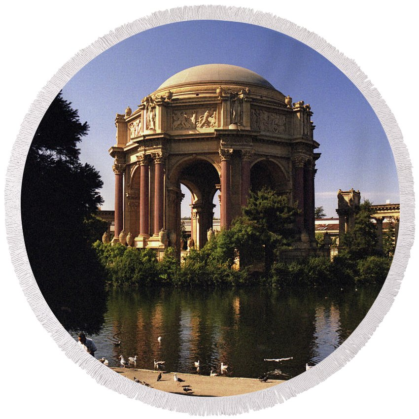 Palace Of Fine Arts Round Beach Towel featuring the photograph Palace Of Fine Arts Sf by Lee Santa