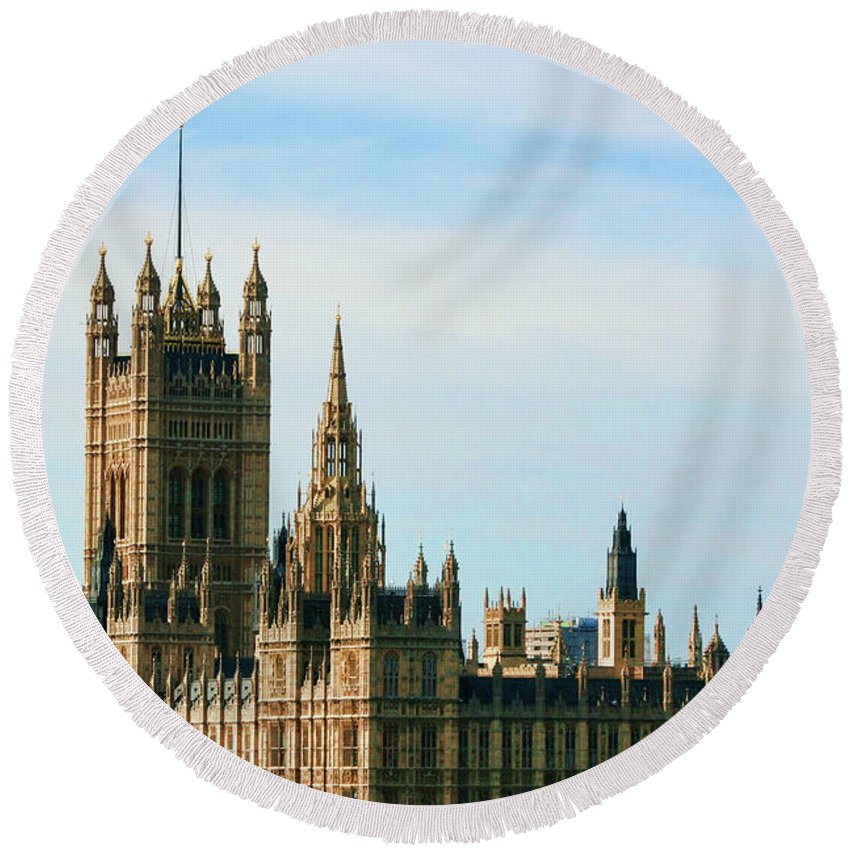 The Palace Of Westminster Round Beach Towel featuring the photograph Palace Of Westminster by Photopoint Art
