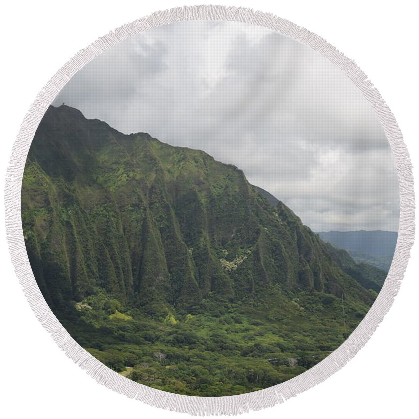 Pali Round Beach Towel featuring the photograph Pali by Samantha Peel