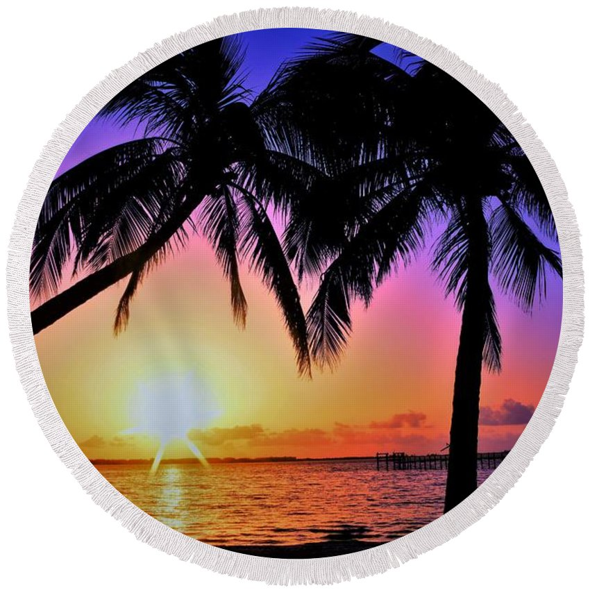 Palm Bliss Round Beach Towel featuring the photograph Palm Bliss by Lisa Renee Ludlum