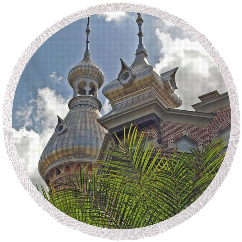 University Of Tampa Round Beach Towel featuring the photograph Palm Of The Dome by Jost Houk
