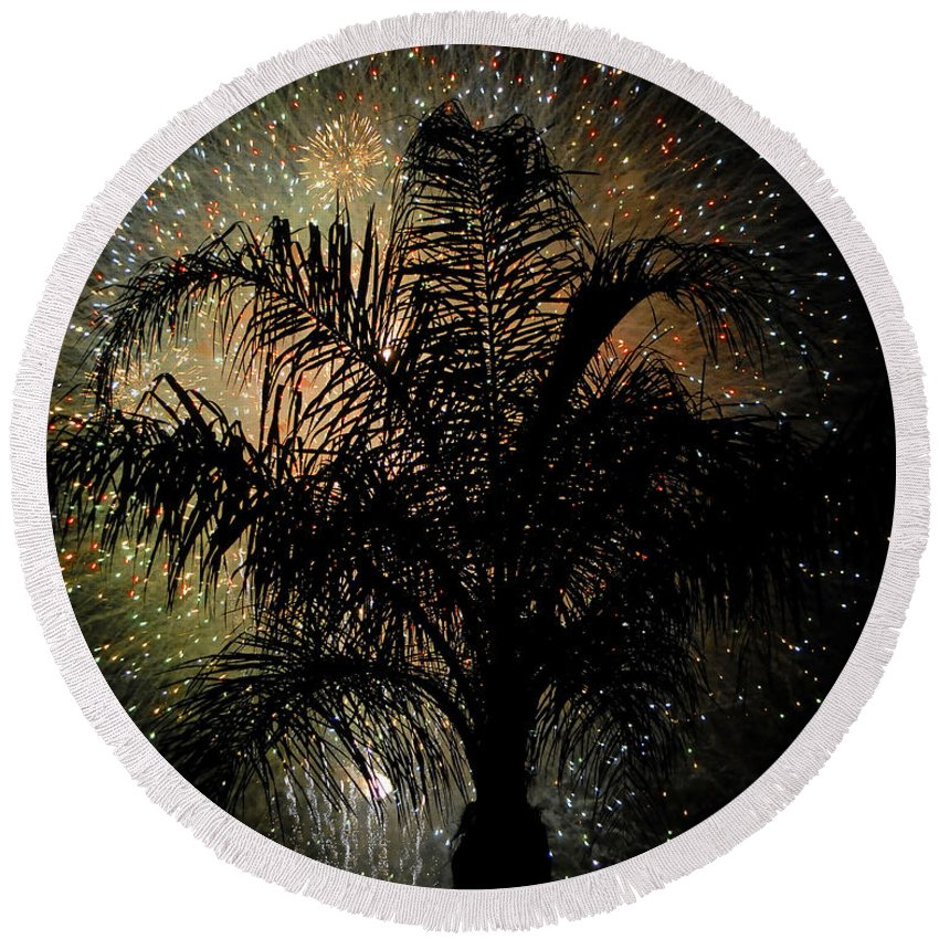 Fireworks Round Beach Towel featuring the photograph Palm Tree Fireworks by David Lee Thompson