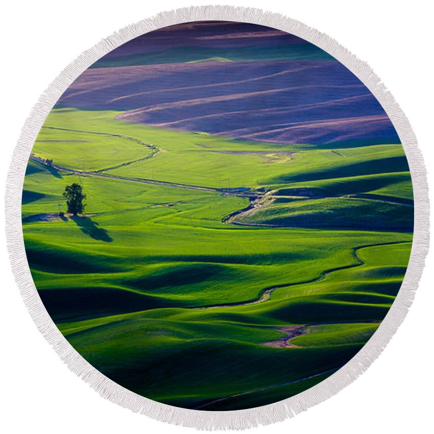 Autumn Round Beach Towel featuring the photograph Palouse - Later Afternoon by Rikk Flohr