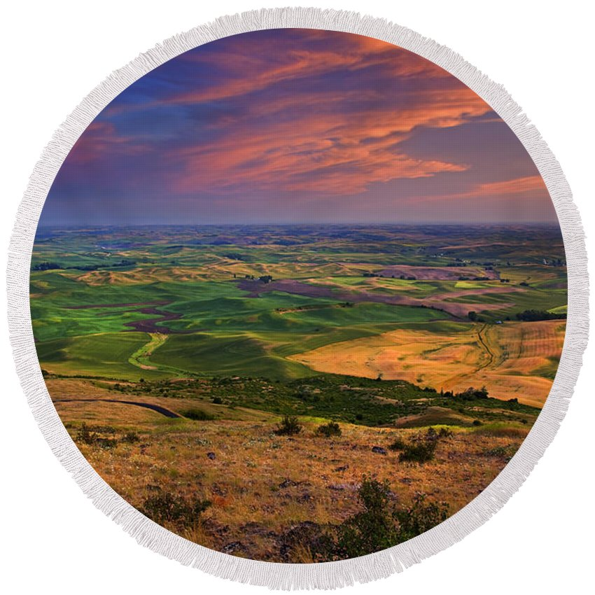 Palouse Round Beach Towel featuring the photograph Palouse Skies Ablaze by Mike Dawson