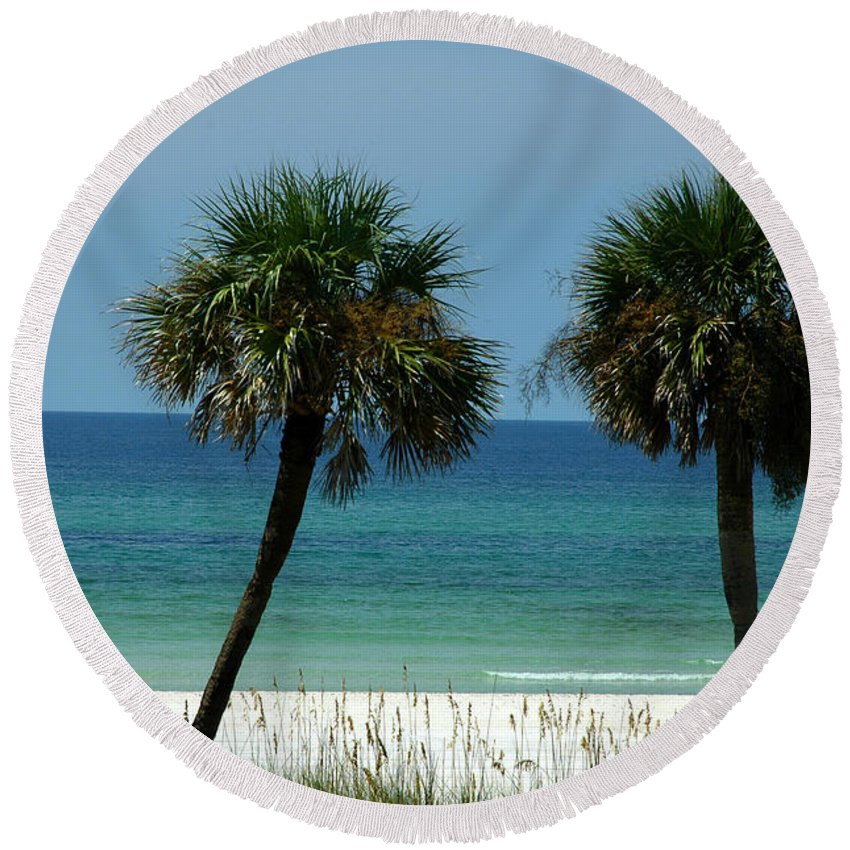 Panhandle Beaches Round Beach Towel featuring the photograph Panhandle Beaches by Susanne Van Hulst
