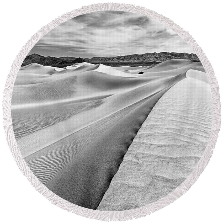 Sand Dune Round Beach Towel featuring the photograph Endless Dunes by Jamie Pham