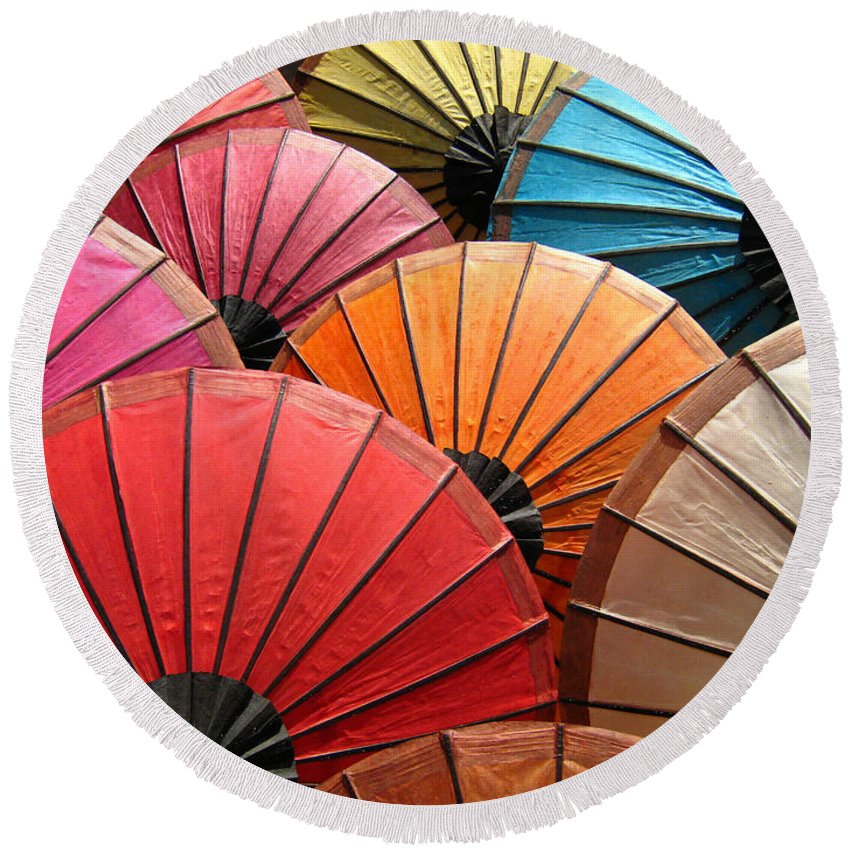 Parasol Round Beach Towel featuring the digital art Parasol by Zia Low