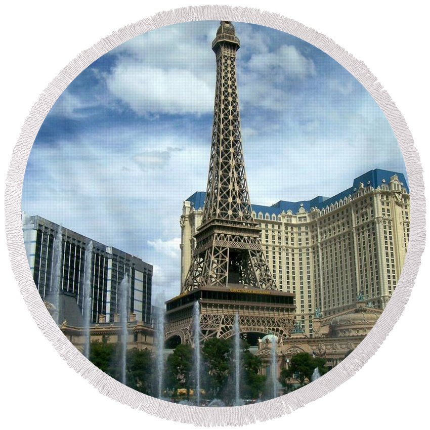 Pars Hotel Round Beach Towel featuring the photograph Paris Hotel And Bellagio Fountains by Anita Burgermeister