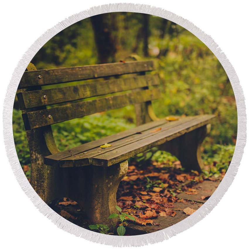Park Bench Round Beach Towel featuring the photograph Park Bench by Shane Holsclaw